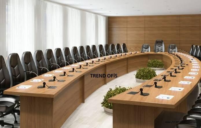 Hugo Toplantı Masası