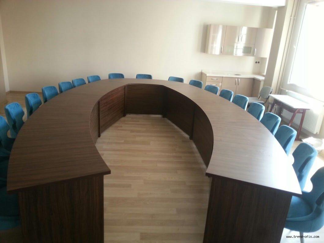 Atılım Toplantı Masası