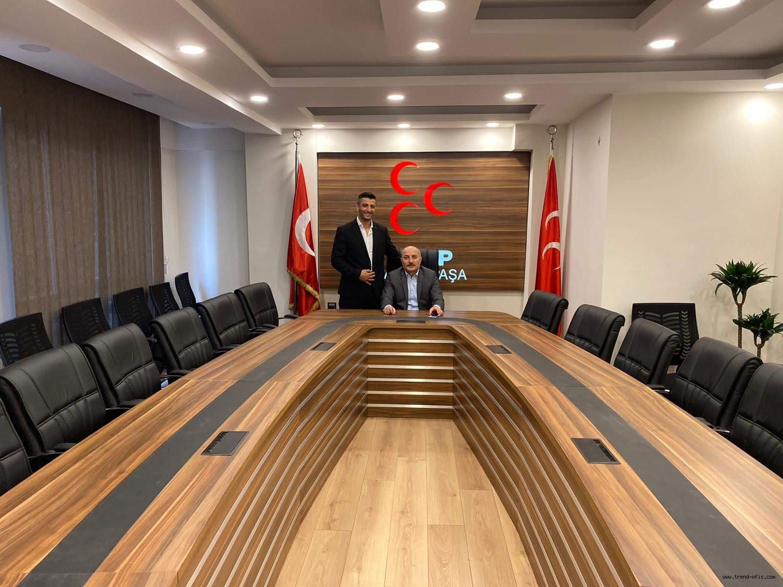 Hilal Toplantı Masası