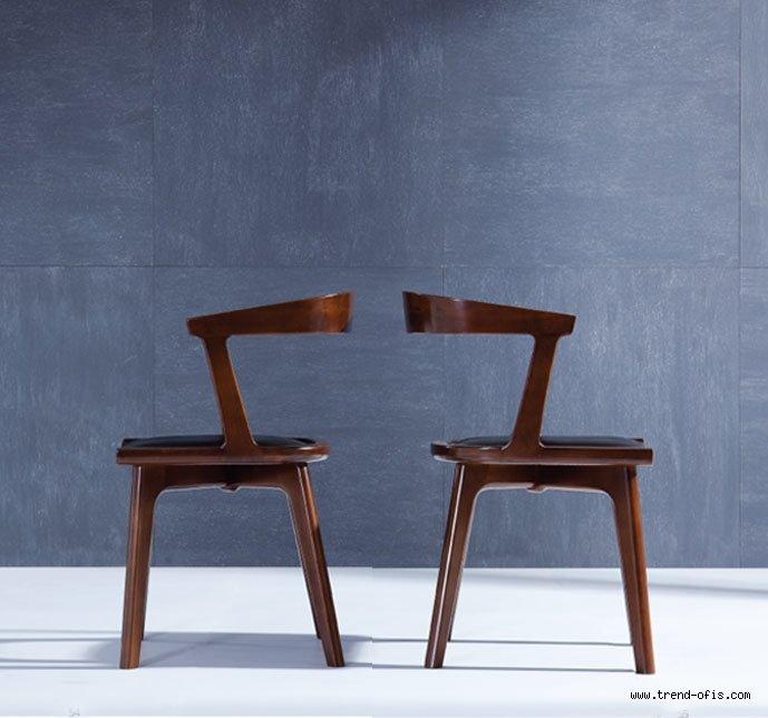 Mondial Sandalye